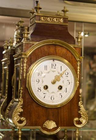 French Rosewood and Gilt Clock image-1