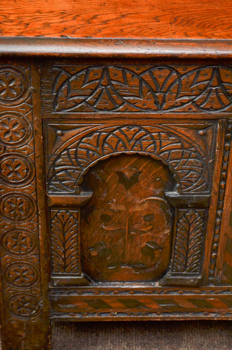 Beautiful Oak Coffer Made By Thomas Clarkson And Sons Of Wolverhampton
