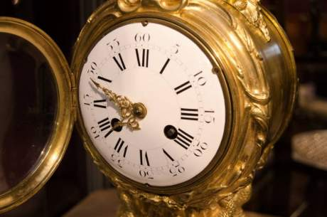 French Gilded Bronze Clock on Marble Base image-3