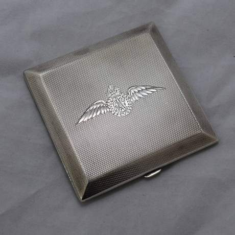 Hallmarked Silver Compact RAF Wings image-1