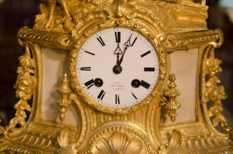Late 19th Century French Gilded Bronze Clock image-3