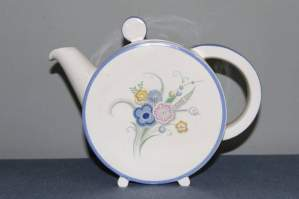 Clarice Cliff Bonjour Teapot