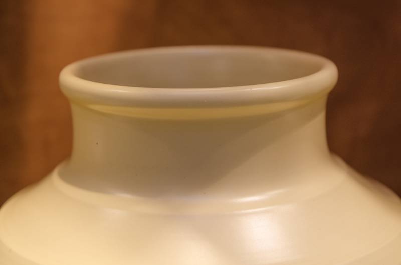 Keith Murray Wedgwood Matt Straw Vase Ceramics Hemswell Antique