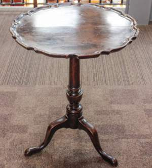 18th Century George II Mahogany Tilt Top Table