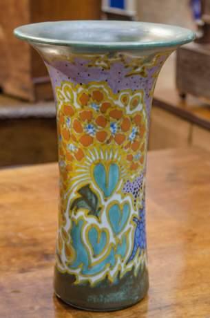 Gouda Tulip Shaped Vase image-1