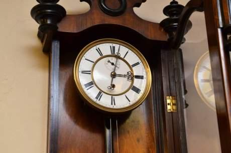 Single Weight 8 Day Vienna Regulator Clock image-2