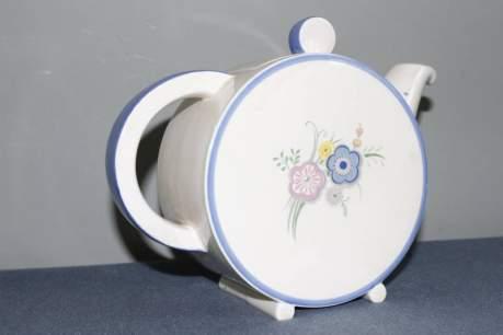 Clarice Cliff Bonjour Teapot image-3