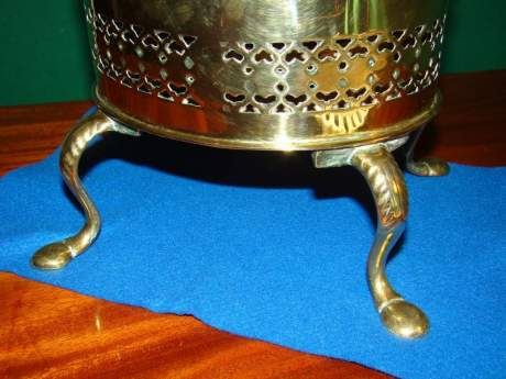 Victorian Brass Kettle and Stand image-4