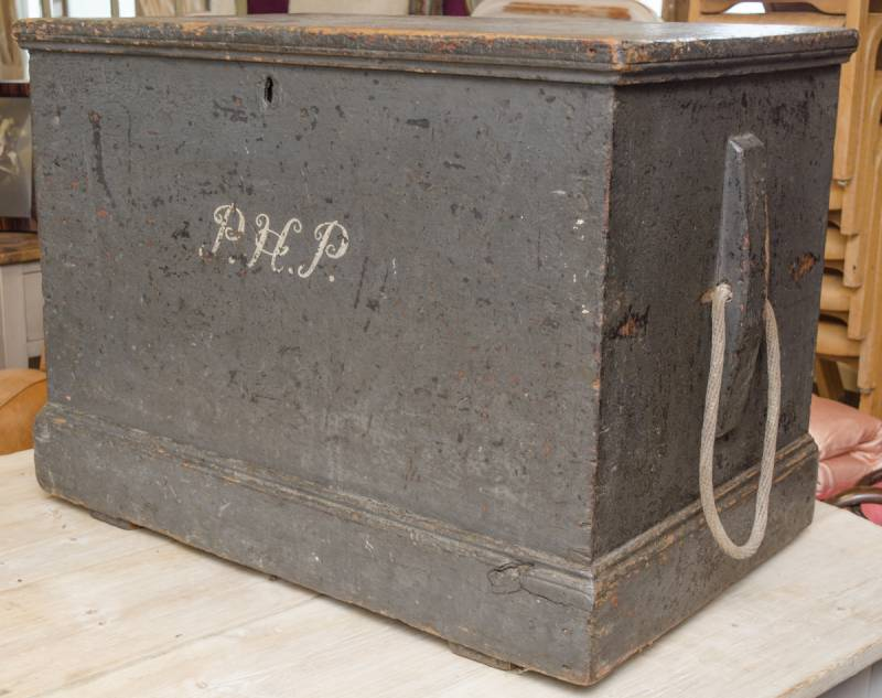 Antique painted pine seamans trunk pine tables for Seamans furniture