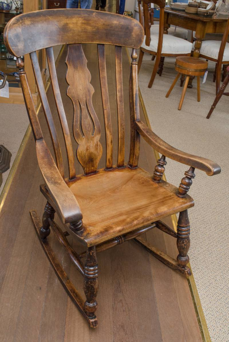 late 19th century windsor rocking chair antique chairs hemswell antique centres. Black Bedroom Furniture Sets. Home Design Ideas
