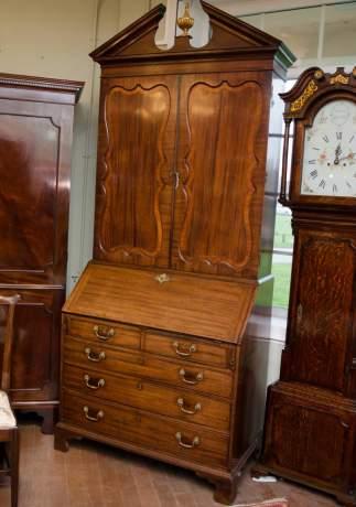 18th Century Mahogany Bureau Bookcase image-1