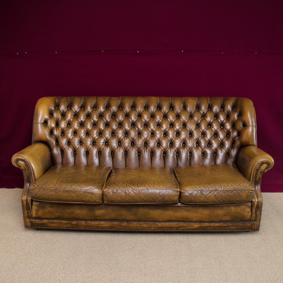 Vintage Club Chesterfield Leather Sofa Antique Sofas Hemswell Antique Centres