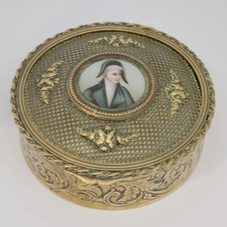 Early 19th Century French Empire Brass Snuff Box image-1