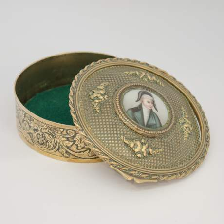 Early 19th Century French Empire Brass Snuff Box image-2