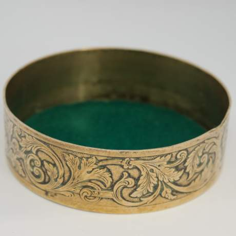 Early 19th Century French Empire Brass Snuff Box image-3
