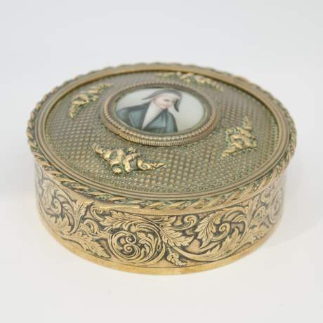 Early 19th Century French Empire Brass Snuff Box image-5