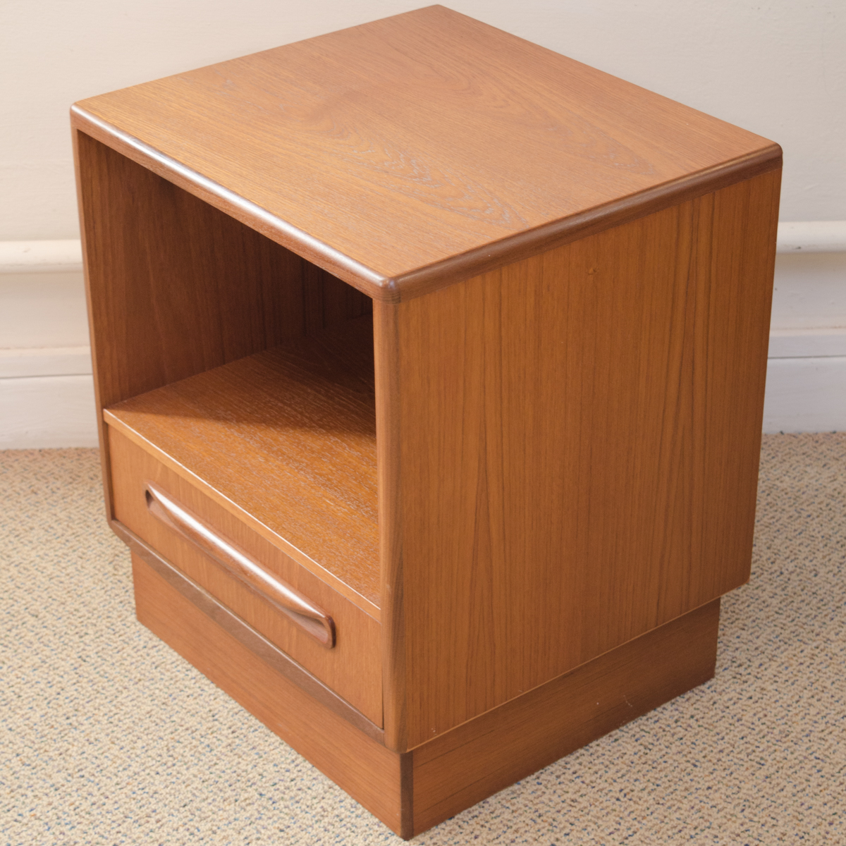 Pair of g plan mid century bedside cabinets furniture for Bedside cabinet plans
