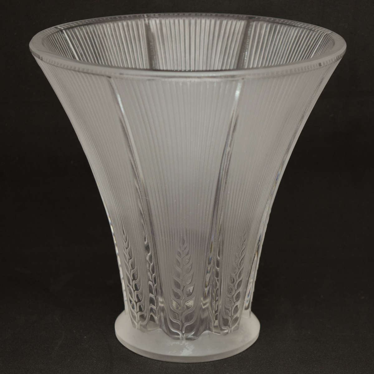 Lalique frosted glass epis vase gifts for every occasion for Lalique vase