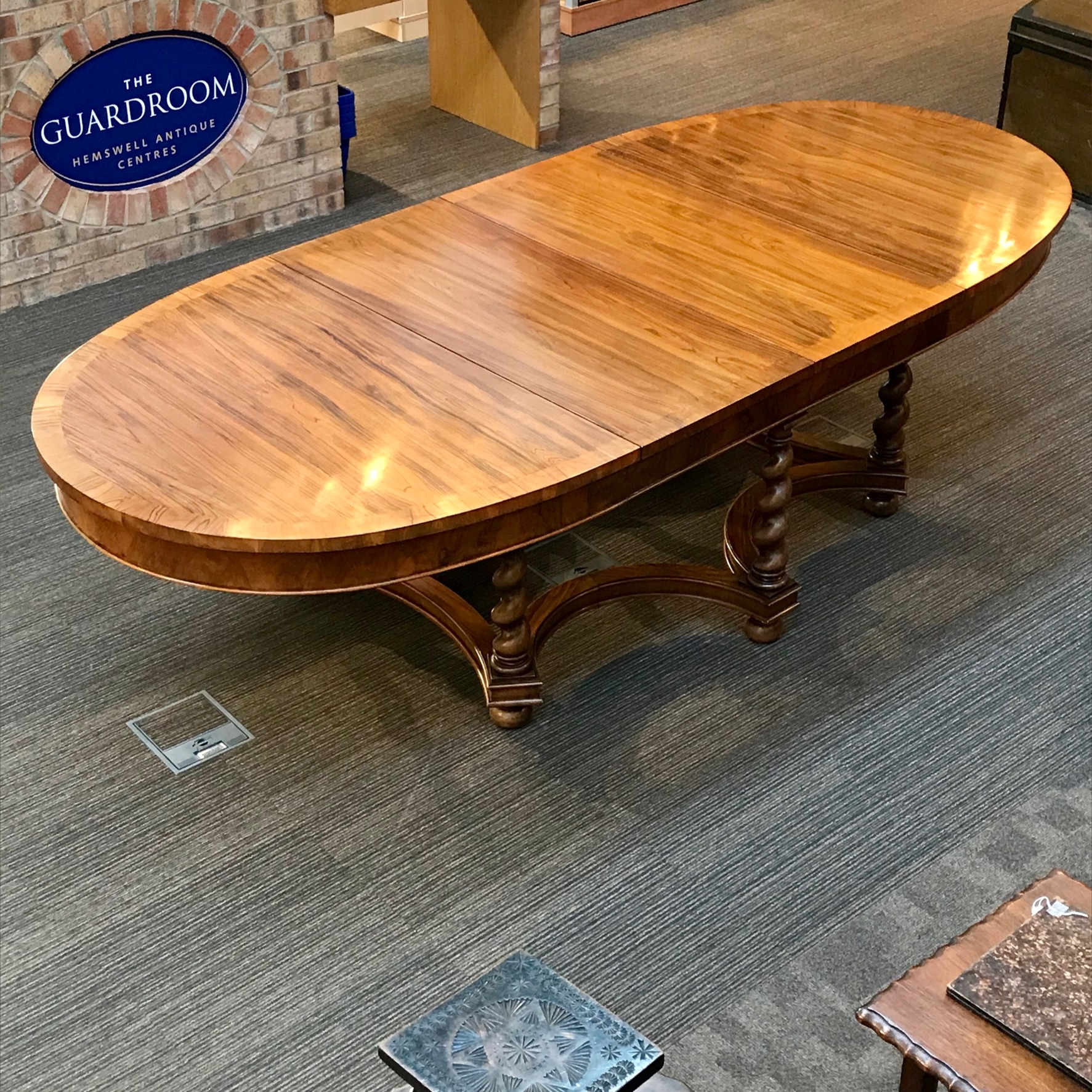 Good Quality Extending Walnut Dining Table Antique Tables Hemswell Centres