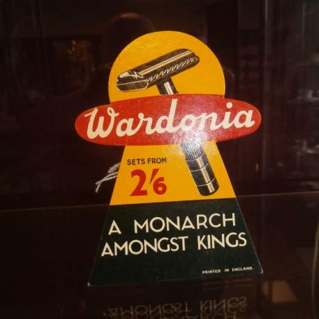 Wardonia Better Shaves Counter Sign image-4