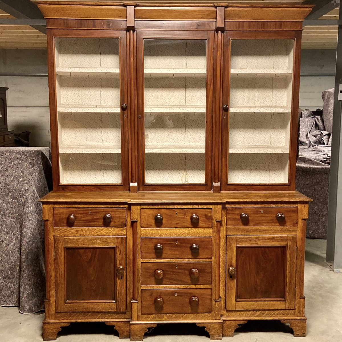 Victorian Antique Mahogany And Oak Breakfront Sideboard Bookcase Antique Sideboards Hemswell Antique Centres