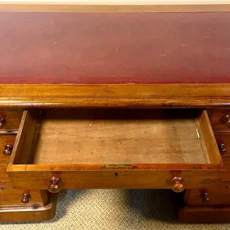 Victorian Mahogany Twin Pedestal Desk image-6