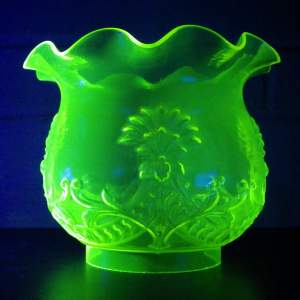 Art Nouveau 19th Century Uranium Glass Oil Lamp Shade