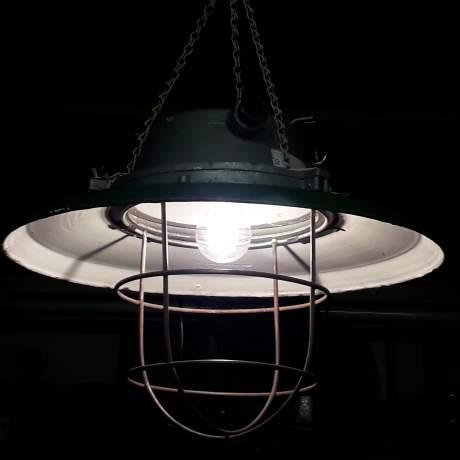 Vintage Industrial Green Enamel Electric Lamp Large Ships Pendant Ceiling Light image-1