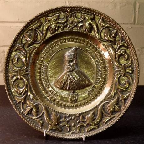 Gothic Revival 17th Giovanni Cornaro 19th Century Brass Alms Dish image-1