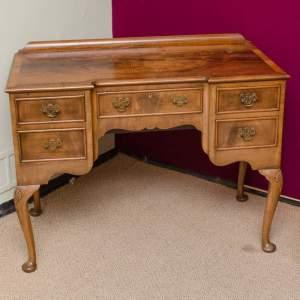 antique-desks.jpeg
