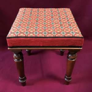 LH39 17 stool Main 1.jpg