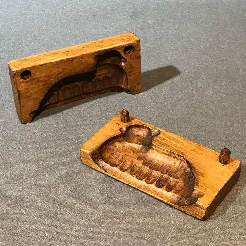 Treen Chocolate or Butter Mould in the Shape of a Sheep image-1