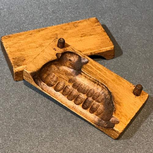 Treen Chocolate or Butter Mould in the Shape of a Sheep image-4