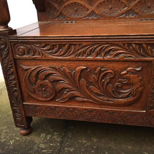 Victorian Carved Oak Hall Bench with a Hinged Seat Circa 1900 image-4