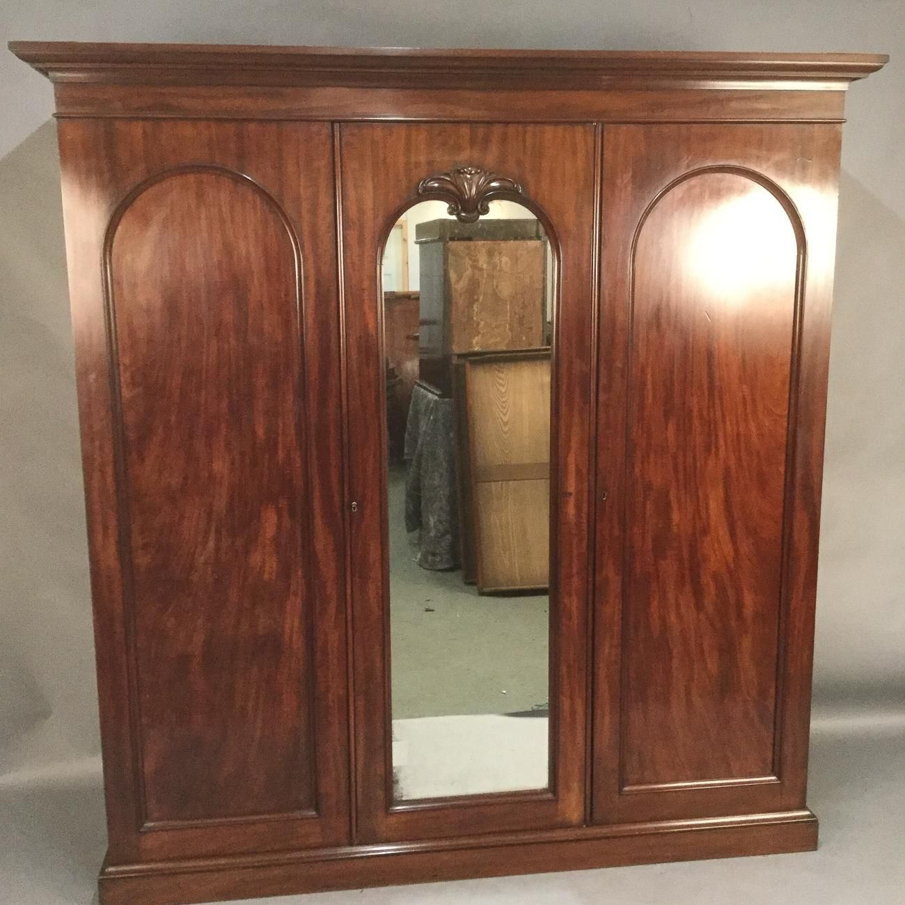 lane walnut beveled ruby single roberts mirror item antique door antiques wardrobe wardrobes eastlake victorian