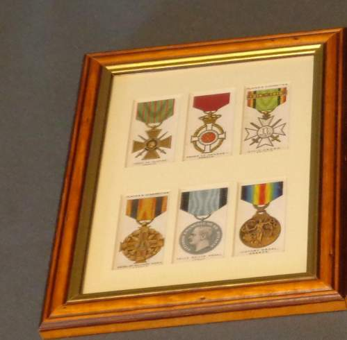 Framed Cigarette Cards  -  War Decorations and Medals Circa 1927 image-2
