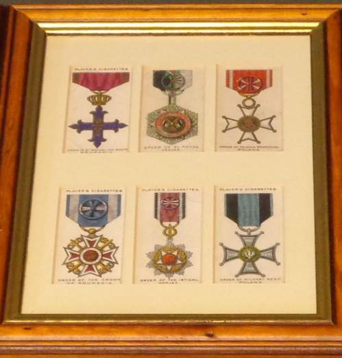Framed Cigarette Cards  -  War Decorations and Medals Circa 1927 image-3