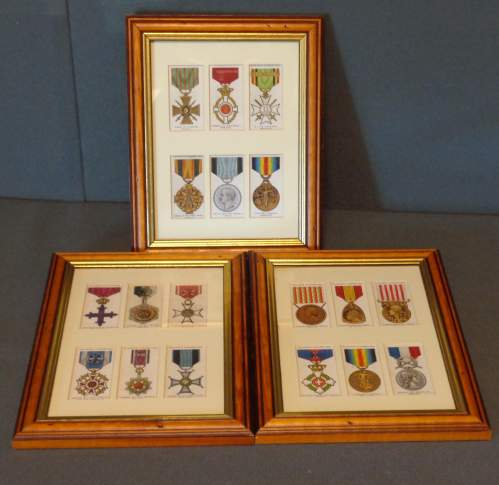 Framed Cigarette Cards  -  War Decorations and Medals Circa 1927 image-1