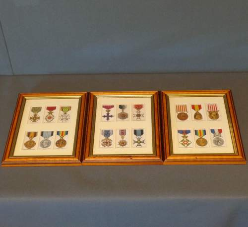 Framed Cigarette Cards  -  War Decorations and Medals Circa 1927 image-6