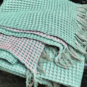 1950s Vintage Welsh Honeycomb Blanket