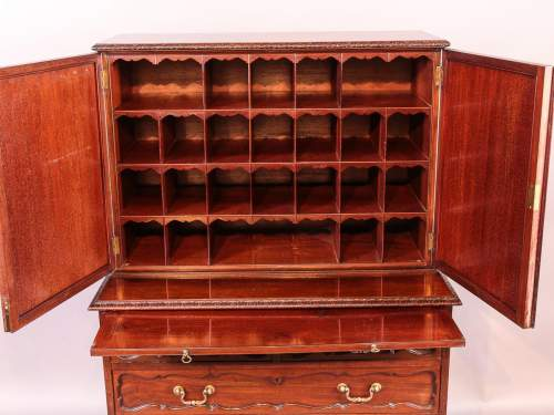 Victorian Mahogany Fitted Cabinet on Chest image-2
