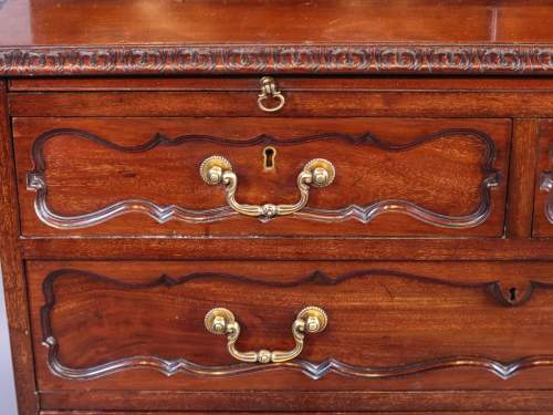 Victorian Mahogany Fitted Cabinet on Chest image-4