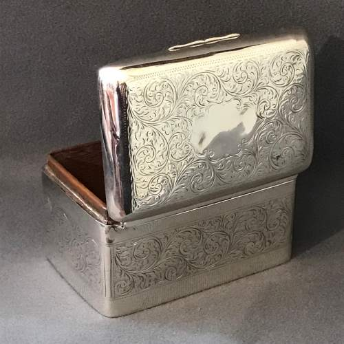 Edwardian Silver Engraved Box image-3