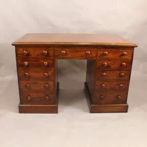 Desk - 1.jpg