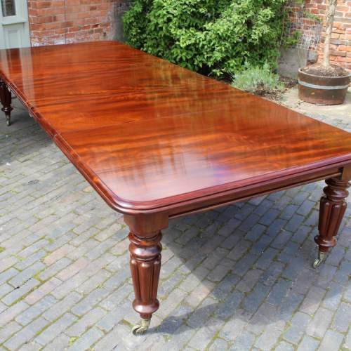 Hemswell Dining Table - 7.jpg