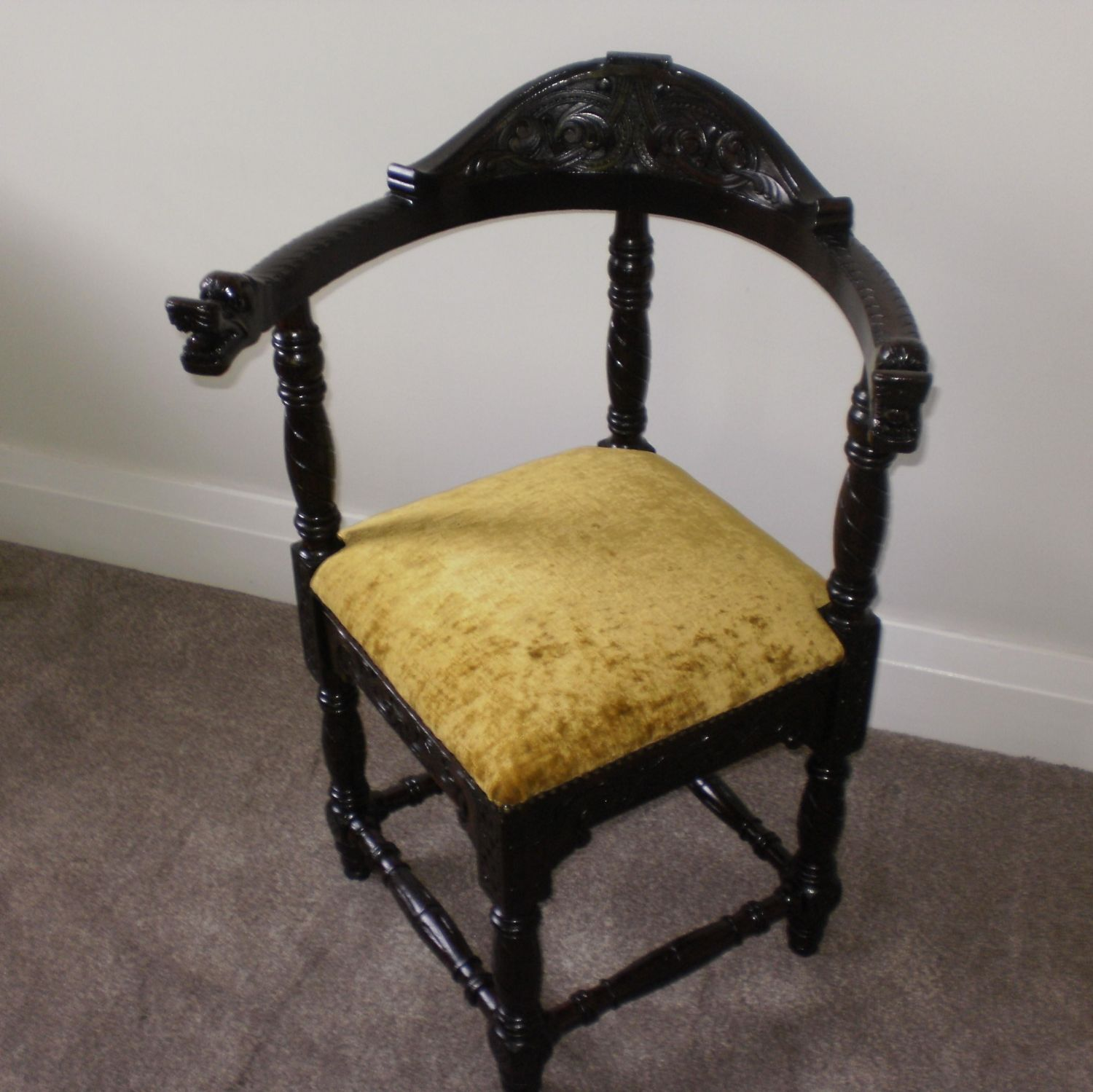 Carved Corner Tub Chair - A Carved Corner Tub Chair. - Antique Chairs - Hemswell Antique Centres