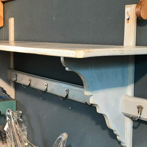 1930s Vintage French Grey Painted Pine Pot Shelf image-1