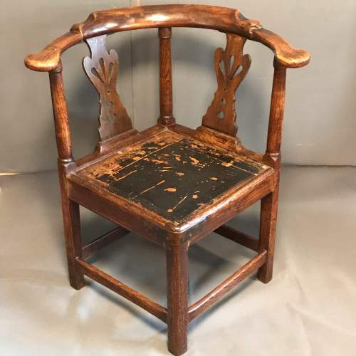 Early 19th Century North Country Oak Corner Chair image-1