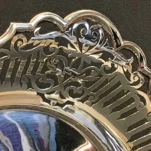 Good Quality Pierced Silver Bowl image-3