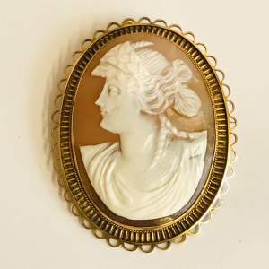 Edwardian 9ct Gold Shell Cameo Brooch